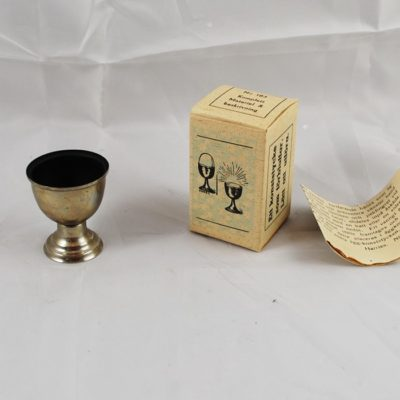 Egg Cup from Harries magic with box
