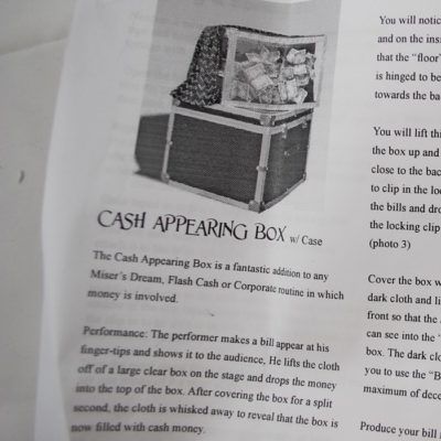 Cash Appearing box with case